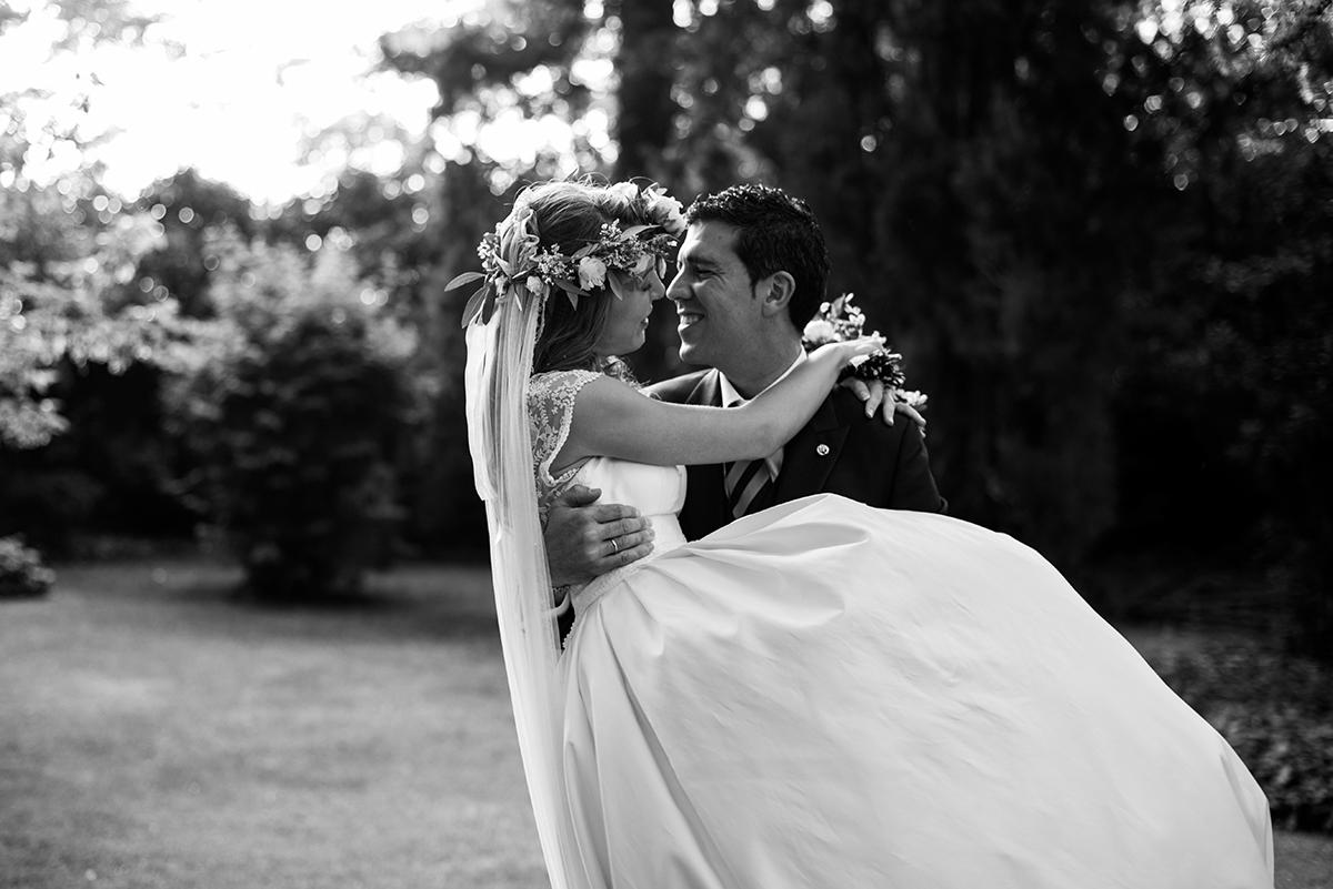 Descubre en el blog de Beatriz Alvaro todos los detalles del vestido de novia de Soledad
