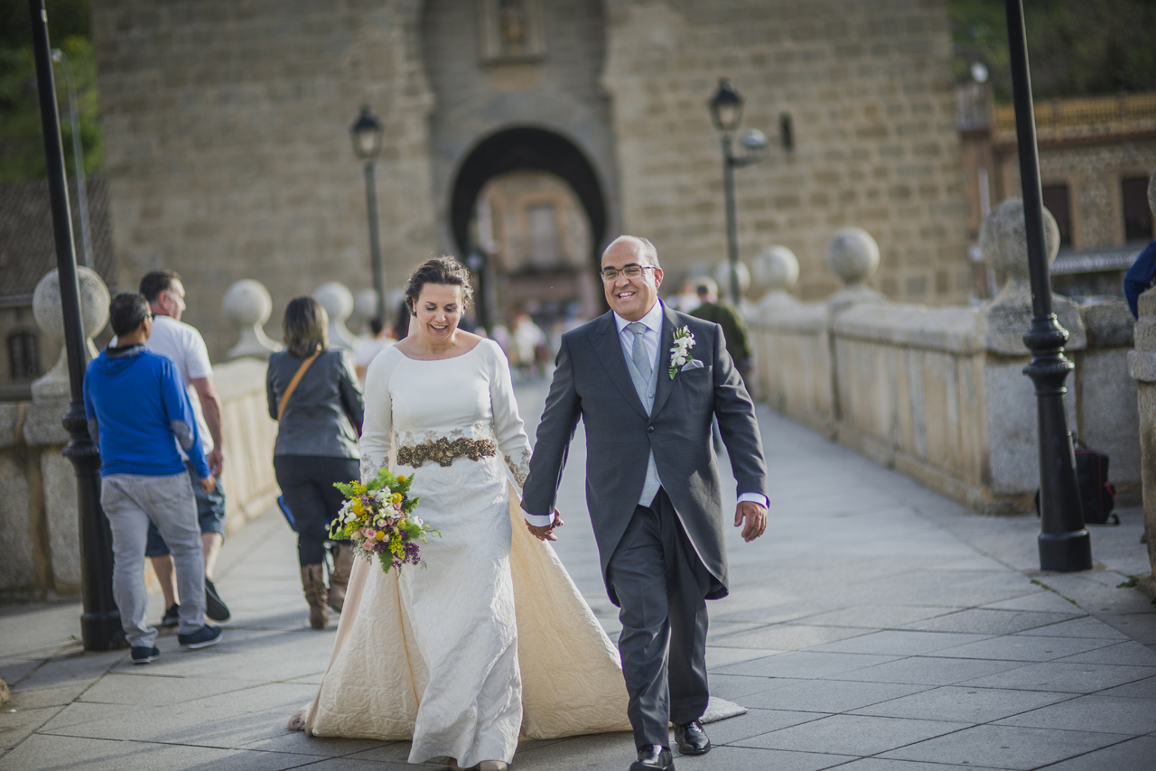 el vestido de novia en brocado de seda de ROcio en el blog de Beatriz Alvaro,