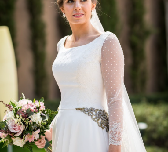 el vestido de novia en muselina de seda natural y plumeti de Clara en el blog de Beatriz Alvaro,
