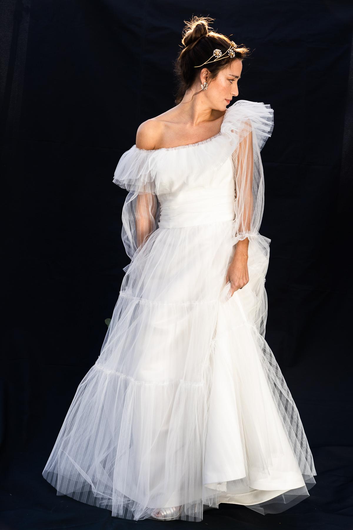 beatriz-alvaro-vestido de novia-atellier-madrid-a medida-diseñadora-tendendencias-tul- pliumetti-volantes-